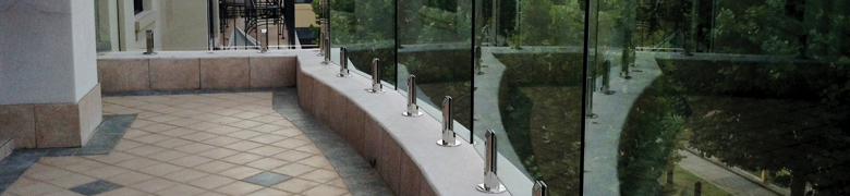 Glass Balustrade with Spigots